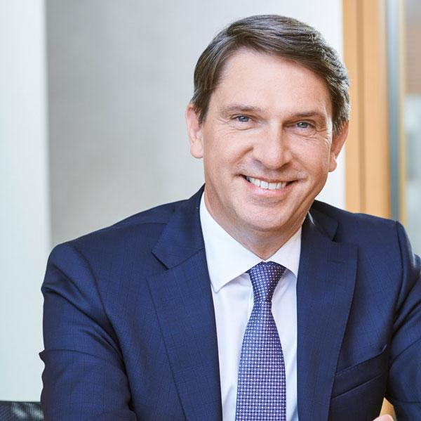 Dirk Henniges   Geschäftsführer